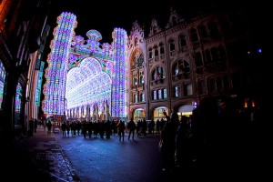 A-Cathedral-Made-from-55000-LED-Lights-1